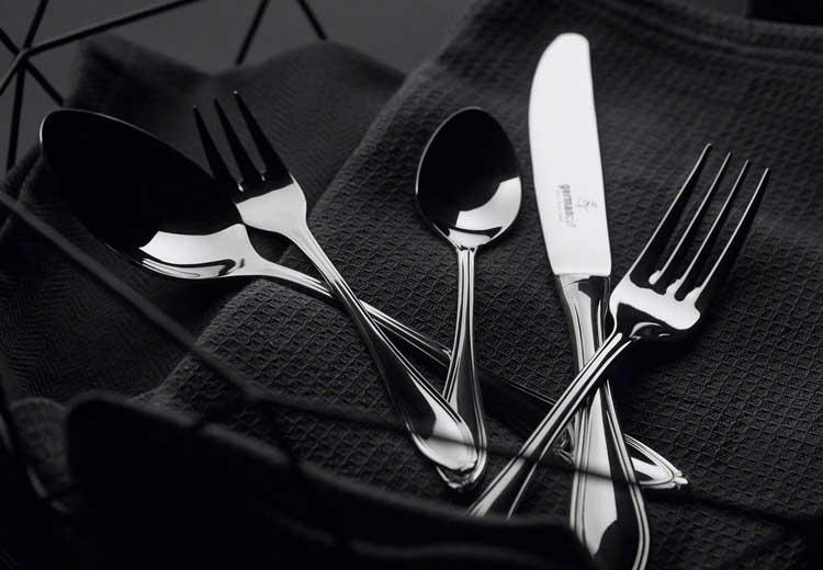 Take that, Besteckset! Messer und Gabeln im Fokus